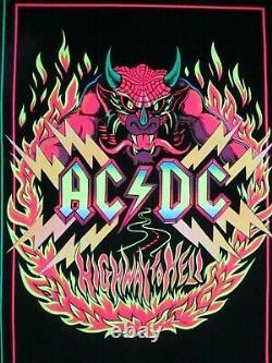 Original 1983 AC/DC #944 Highway To Hell Black light Felt 35x23 Poster Vintage
